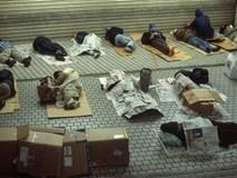 Người vô gia cư và hành động khiến nhiều người phải cúi mặt xấu hổ