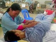 Xót thương cảnh người mẹ chăm 3 con nhỏ bệnh nặng và chồng nằm liệt giường