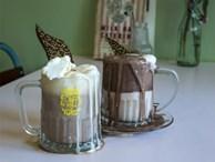 Những cốc chocolate nóng hôi hổi chỉ nhìn thôi cũng quên cái lạnh của mùa đông