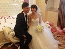 Sốc: Chú rể 24 tuổi làm đám cưới với mẹ ruột 42 tuổi của bạn thân