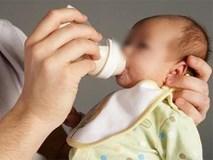 Pha sữa với nước, mẹ hối hận không kịp khi tự gây ra cái chết thương tâm cho con mới 10 ngày tuổi
