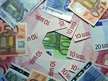 Tỷ giá ngoại tệ ngày 6/12: USD biến động mạnh, điều đáng sợ ập tới