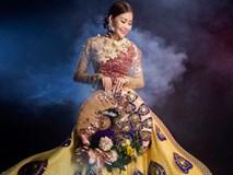 Cận cảnh áo dài chim công lộng lẫy của hoa hậu Hải Dương