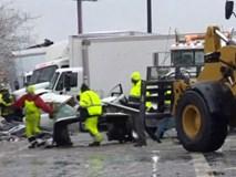 55 xe đụng nhau trên đường phủ băng ở Mỹ