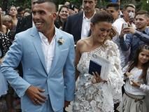 Tevez cưới bà mẹ 2 con trước khi sang Trung Quốc