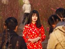 Hình ảnh hot girl Kiều Trinh diện áo dài đỏ xuất hiện trên hãng thông tấn lớn nhất thế giới
