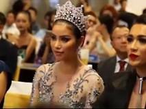 Phạm Hương khóc nức nở khi nhắc lại cuộc thi Miss Universe 2015