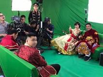 Vân Dung diêm dúa, Quang Thắng - Tự Long mặc trang phục độc lạ tập Táo quân 2017