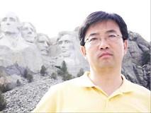 Giáo sư quan hệ quốc tế kiện trường đại học vì bị bắt dạy môn toán