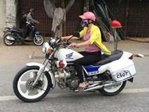 Thực hư một phụ nữ mặc thường phục lái xe đặc chủng của CSGT ở Hải Phòng