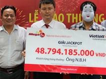 Mang mặt nạ môi son nhận giải Jackpotgần 49 tỷ đồng