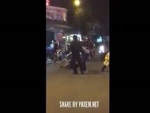 Chàng trai đạp người yêu dã man giữa phố Đà Nẵng gây bức xúc