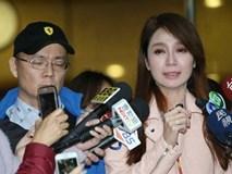 Bị tung ảnh ngoại tình, Helen Thanh Đào khóc lóc tố chồng bạo hành
