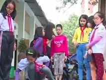 Bé gái 11 tuổi bị mẹ không cho đi học được đưa vào TT bảo trợ xã hội đã nói chuyện nhiều hơn