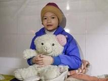 Bé gái 11 tuổi bị mẹ nhốt không cho đi học được đưa vào TT bảo trợ: Chưa có ai đến thăm