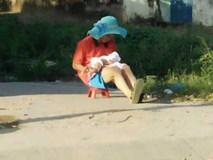 Ông bố đội chiếc mũ của vợ đưa con đi phơi nắng khiến trái tim chị em