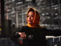 Hoàng Thuỳ Linh trùm khăn chống rét tổng duyệt Đại nhạc hội