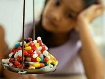 """""""Ép cân"""" bằng mọi giá, nữ sinh nhập viện cấp cứu vì mắc bệnh tâm thần"""