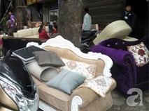 Hà Nội: Cháy lớn thiêu rụi cửa hàng nội thất trên đường Đê La Thành
