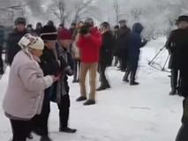 Hiện trường máy bay Thổ Nhĩ Kỳ rơi trên nhà dân ở Kyrgyzstan