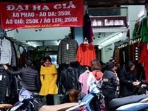 """Sát Tết, bán hàng hạ giá """"siêu chảnh"""" ở phố cổ Hà Nội"""