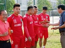 """Các CLB V-League thưởng Tết: Kẻ cười, người """"khóc"""""""