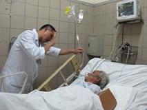 """Cận Tết, 4 người tử vong sau khi uống """"rượu quê"""" ở Hà Nội"""