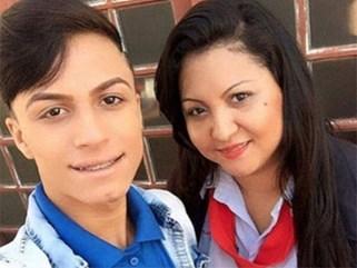 Mẹ đâm con trai đến chết vì con là người đồng tính