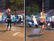2 cô gái múa lửa giữa phố Sài Gòn gây tranh luận