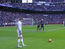 Ronaldo kém duyên, Real vẫn tìm lại niềm vui chiến thắng