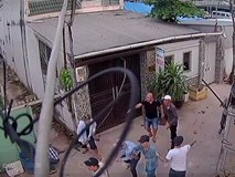 Camera ghi hình nhóm giang hồ đánh công nhân ở Sài Gòn