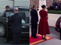 Từ cách bước xuống xe và chờ vợ, người ta đã thấy sự khác nhau giữa Tổng thống Trump và ông Barack Obama