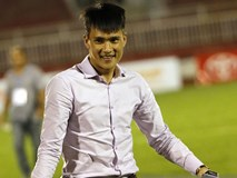 Thua trận, fan TP.HCM vẫn ấm lòng vì nụ cười của Công Vinh