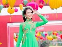 Lâm Chi khanh duyên dáng khi diện áo dài chụp ảnh Tết