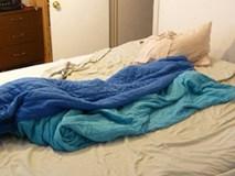 Bỏ ngay thói quen gấp chăn màn ngay sau khi ngủ dậy nếu không muốn rước bệnh