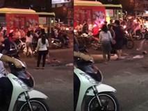 Xích mích khi đi sắm Tết, cặp đôi đánh nhau giữa phố Sài Gòn