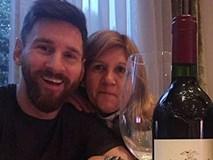 Messi mua chai rượu 12 triệu VNĐ mừng sinh nhật mẹ