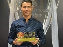 Ronaldo hí hửng khoe danh hiệu do fan Trung Quốc bầu chọn