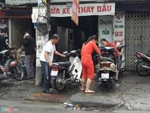 Ngày cuối năm, hàng rửa xe đuổi không hết khách