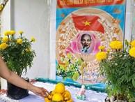 Cả huyện dựng bàn thờ Bác Hồ đón Tết