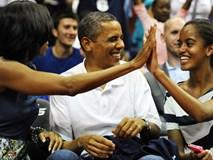 Con gái lớn có nụ hôn đầu tiên vào năm 13 tuổi và đây là phản ứng của vợ chồng cựu Tổng thống Obama