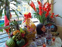 Văn khấn lễ tạ năm mới: Cúng hóa vàng ngày Tết