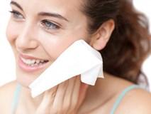 Rước họa cho da vì khi thường xuyên sử dụng khăn ướt