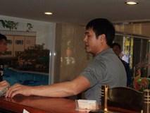 HLV Hữu Thắng hành động bất ngờ trong ngày U23 Việt Nam hội quân