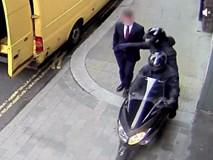 Màn cướp giật điện thoại trên đường phố London