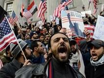 Mỹ thu hồi hơn 100.000 visa sau lệnh cấm nhập cư của ông Trump