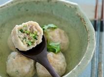 Nóng hổi ngọt thơm món canh thịt viên cải thảo hấp dẫn
