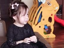 Cadie Mộc Trà diện cả cây đen theo phong cách quý tộc