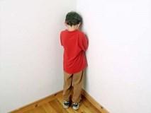 """Bắt con úp mặt vào tường"""" khi trẻ mắc lỗi, hình phạt tưởng hiệu quả mà lại vô cùng nguy hiểm"""