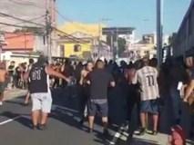 Fan bóng đá bị bắn thủng ngực, chết trong bệnh viện